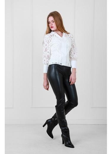 JEANNE D'ARC Dantel Kumaş V Yaka Önden Açılır Fermuarlı Bluz Beyaz